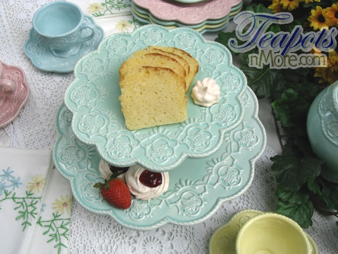Tag Archives: Lace Tablecloths