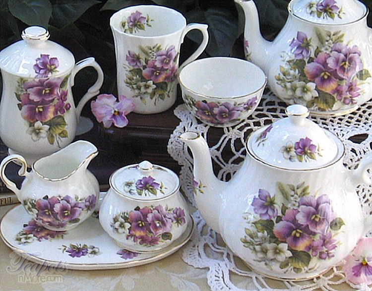 chinese tea and british tea Tea accessories, a guide to chinese and international tea paraphernalia every wondered why cups have saucers find the answer here and more.